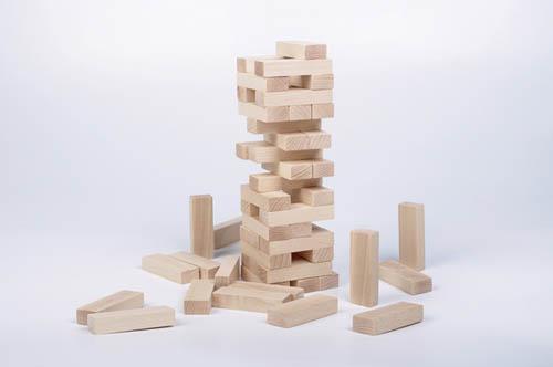 La torre de madera Jenga - construcciones de madera - juguetines
