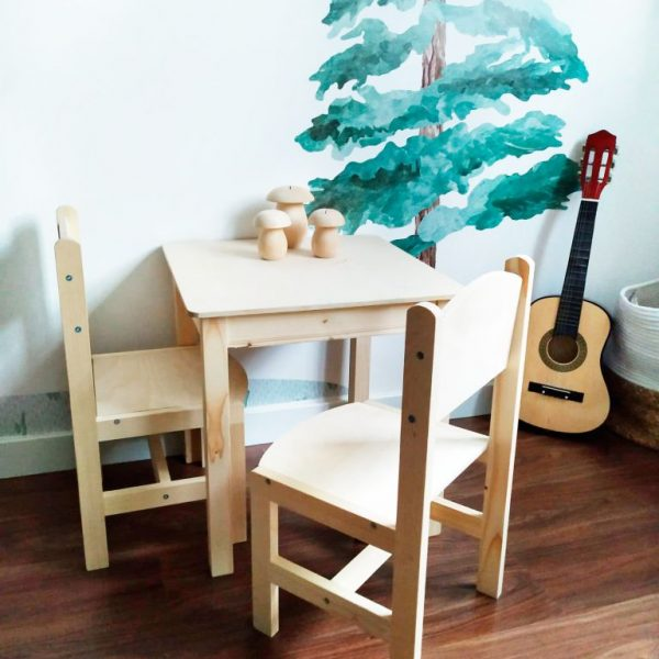 Mesa infantil - mesa de madera infantil - mobiliario infantil - juguetines