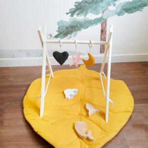 Gimnasio de actividades ideal para el desarrollo de los bebes para estimular sus habilidades visuales y motoras