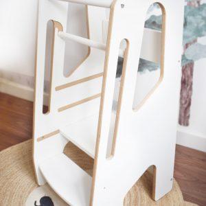 Torre de Aprendizaje Montessori ideal para el desarrollo de autonomía infantil